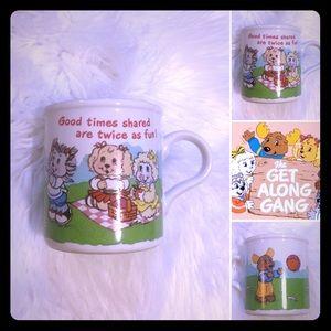 🦋2/$10 3/$15 4/$18 5/$20 Vintage 80s Mug